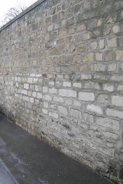 wall-cemetary-paris
